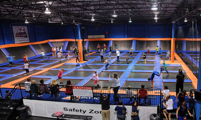 Sky Zone - Winnipeg: Two 60-Minute Indoor-Trampoline-Park Passes at Sky Zone (Up to 47% Off). Two Options Available.