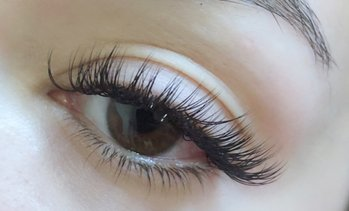 Up to 44% Off Eyelash Extensions at Jealous Girl Beauty Spa