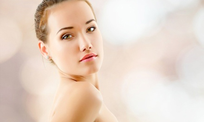 Beauty Club Pina - Ponte San Pietro: 3 sedute da un'ora di ossigenoterapia per viso, collo e décolleté a 39 € invece di 270