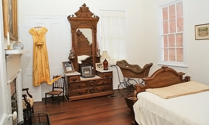 Quina House Museum - Quina House Museum (Pensacola Historic Preservation Society): $40 for a Date-Night Tour of the Quina House Museum for Two ($80 Value)