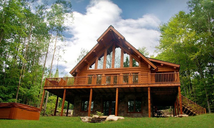Blueberry Lake Resort - Labelle, Mont-Tremblant: Two-, Three-, or Seven-Night Chalet Stay at Blueberry Lake Resort in Mont-Tremblant, Quebec