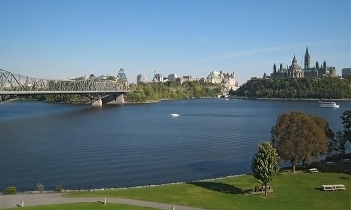 Hotel Chimo Ottawa - Ottawa, ON: 1- or 2-Night Stay with Dining Credit at Hotel Chimo Ottawa in Ontario