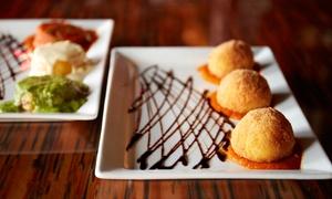 Pasticceria Rosticceria I Sapori di Napoli: Menu catering d'asporto con pizzette, arancini e dolci mignon alla Pasticceria I Sapori di Napoli (sconto fino a 72%)