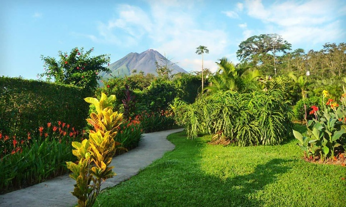 Six-Night Tour of Costa Rica with Airfare: Six-Night Tour of Costa Rica with Airfare from Miami, Accommodations, Guided Tours, and Some Meals from Gate 1 Travel