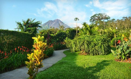 Explore Costa Rica on Tour with Airfare