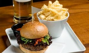 גולדה קרית חיים: גולדה בר & אוכל: המבורגר 220 גרם בקר + תוספת לבחירה ב-22 ₪ או המבורגר עם תוספת ושתייה ב-27₪ בלבד. תקף ב-2 סניפים