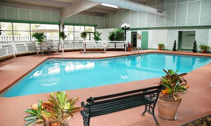 Radisson Hotel Charleston Airport - North Charleston, SC: Stay at Radisson Hotel Charleston Airport in North Charleston, SC