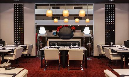 Cocina de mercado para 2 con entrante, principal, postre, bebida y café en el Hilton Madrid Airport 5* por 49,95 €