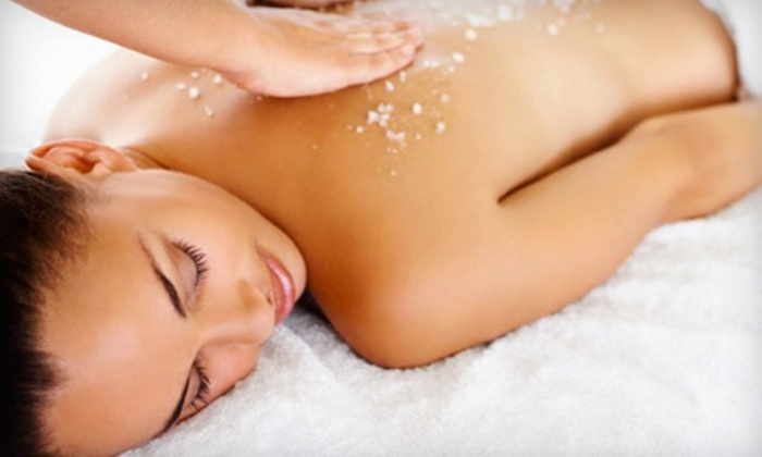 Daydream Bodyworks - Downtown: $69 for a Spa Package with a 60-Minute Salt Body Scrub and 25-Minute Express Facial at Daydream Bodyworks ($145 Value)