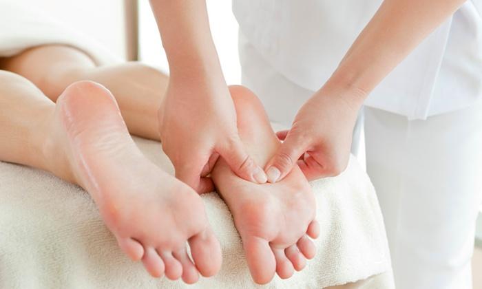 Voilà La Familia - Mission: 1 or 10 30-Minute Foot Massages at Voilà La Familia (Up to 59% Off)