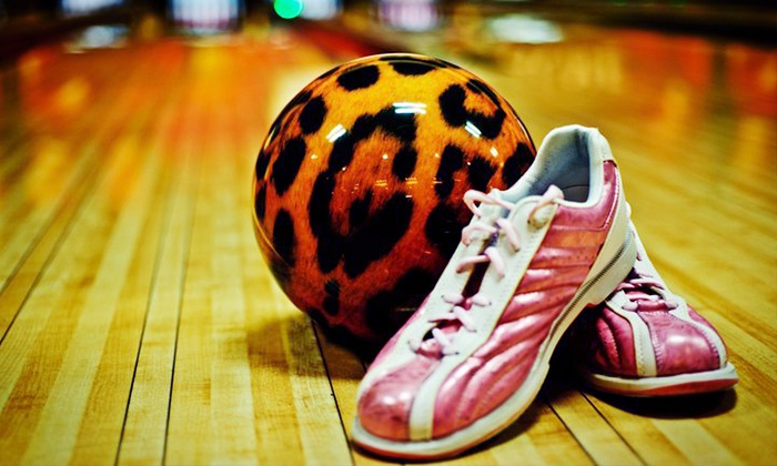 ACME Bowl - Tukwila: $30 for Bowling for Four with Shoes at ACME Bowl ($68.50 Value)