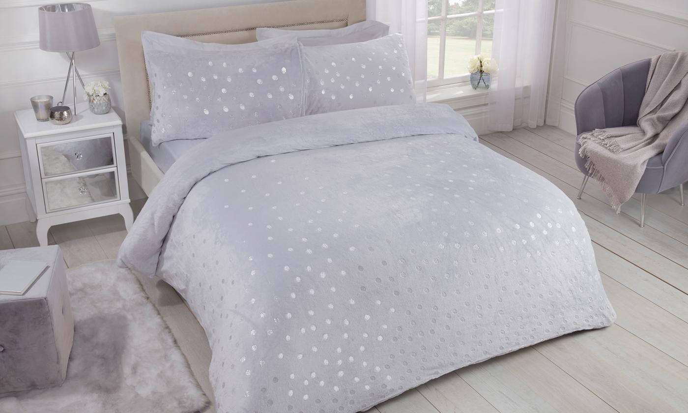 Pieridae Cosy Fleece Shimmer Polka Dot and Unicorn Duvet Set for £12.98