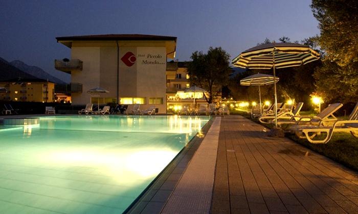 Hotel Piccolo Mondo - Hotel Piccolo Mondo: Lago di Garda, Hotel Piccolo Mondo 4* - Una notte con cena e utilizzo illimitato della spa da 89 € per 2 persone