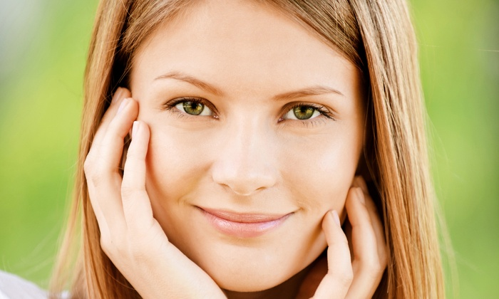 Ageless Mi Medspa - Downtown Scottsdale: $49 for a 60-Minute Precision Dermaplane Treatment with an Oxygen Facial at Ageless Mi Medspa ($100 Value)