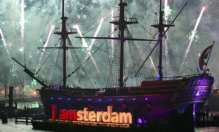 Amsterdam :  Nuit blanche pour célébrer le Nouvel an 2017 avec A/R en bus