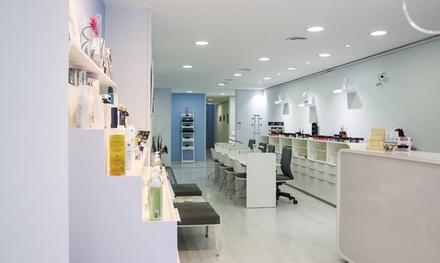 Limpieza facial con opción a masaje corporal relajante desde 19,95 € en Alexandra Arraez Centro de Imagen y Estética