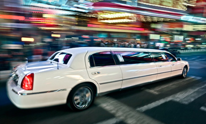 Rolling Luxury - District Wright - Parc - de - la - Montagne: One-Way or Round-Trip Service to Airport for Four from Rolling Luxury (Up to 56% Off)