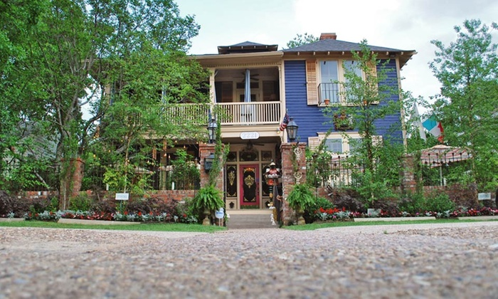 Fairfield Place - Shreveport, LA: Stay for Two at Fairfield Place in Shreveport, LA. Dates Available into August.