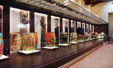 Visita a finca y museo con cata de vinos y botella para 2, 4, 6 u 8 personas desde 12,90 € en Bodegas Vicente Gandía