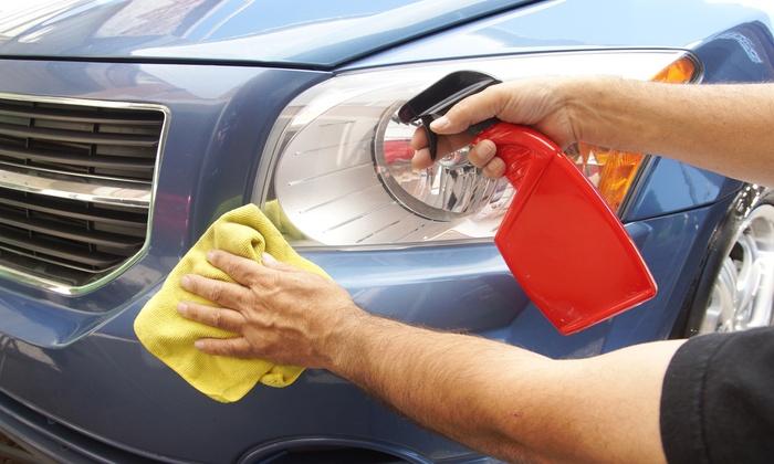 Auto e Moto Service - AUTO E MOTO SERVICE: Lavaggio e check up per una o 2 auto da 29,90 € (sconto fino a 87%)