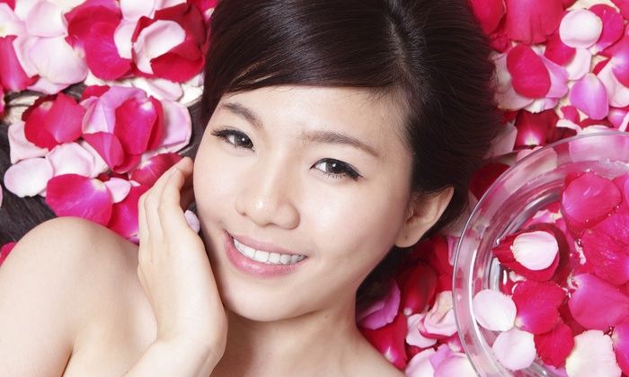 Skindelite Facial Spa - Tamarac: Vita Cura Firming Facial or a Hydra Medic Acne Facial at Skindelite Facial Spa (Up to 52% Off)