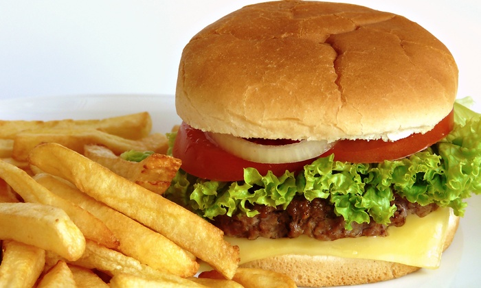 Papa's Burgers - Los Jardines: $12 for $24 Worth of Old-Fashioned Burgers and Fries at Papa's Burgers