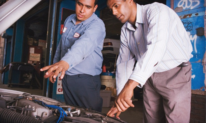 Auto-Lab Rochester Hills - Rochester: $89 for Summer-Ready Service Package with Oil Change and AC Recharge at Auto-Lab of Rochester Hills ($254.99 Value)