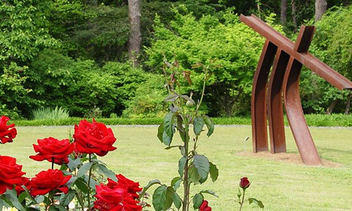 Smith-Gilbert Gardens - Kennesaw-Marietta: Admission for Two Adults or Two Adults and Two Kids to Smith-Gilbert Gardens (50% Off)