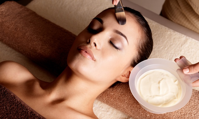 Savon Spa - Lakeview: 60-Minute Eminence Organic Facial at Savon Spa (Up to 21% Off)
