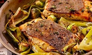 Ristorante Bar - Il Lampadario: Menu di pesce con un litro di vinoper 2 o 4 persone al Ristorante Bar Il Lampadario (74% di sconto)