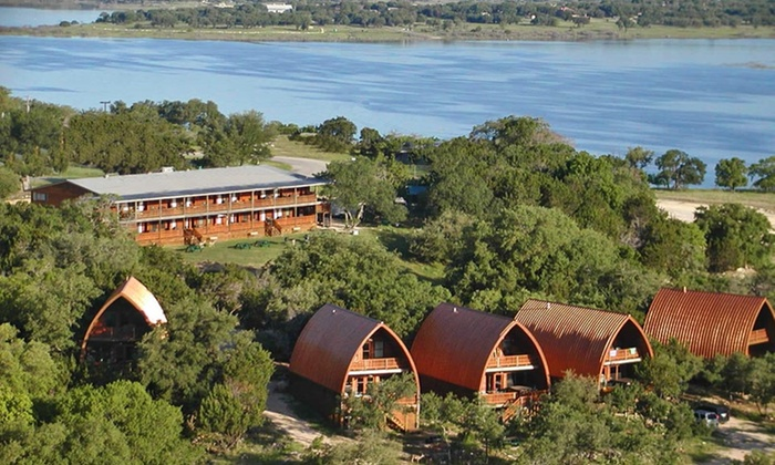 Canyon Lakeview Resort - Canyon Lake, Texas: 2-Night Stay with Wine Tasting for Two at Canyon Lakeview Resort in Canyon Lake, TX