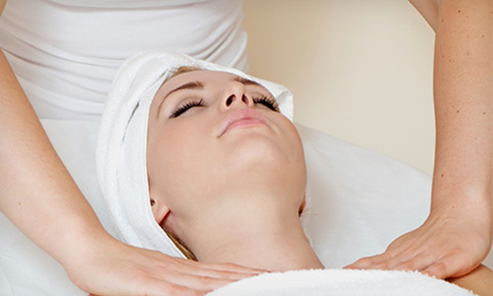 Massage Felax - Multiple Locations: $49 for a 70-Minute Massage and One-Year Membership at Massage Felax ($284.99 Value)