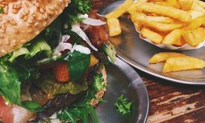 Presse Restaurant: Burger nach Wahl inkl. Pommes frites und 2 Dips für 2 oder 4 Personen im Presse Restaurant (bis zu 46% sparen*)