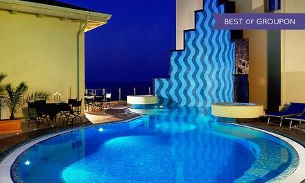 Gabicce Mare: Grand Hotel Michelacci 4*, fino a 5 notti con mezza pensione e spa per 2 persone, anche a Natale