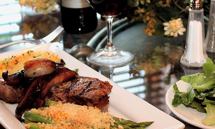 Grapevine Café - Green Bay: $10 for $20 Worth of Upscale American Fare and Drinks at Grapevine Café