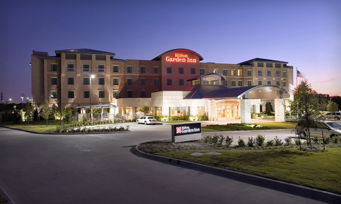 Hilton Garden Inn Dallas/Richardson - Richardson: One- or Two-Night Stay with Daily Breakfast and Dining Credit at Hilton Garden Inn Dallas/Richardson in Texas