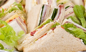 Sorrento: Desde $199 por 2 o 4 docenas de sándwiches de miga triple surtidos o especiales en Sorrento