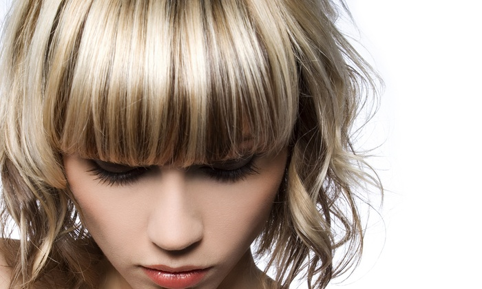 Déjà Vu European Spa & Salon - North Richland Hills: Haircut and Conditioning with Optional Partial or Full Highlights at Déjà Vu European Spa & Salon (Up to 72% Off)