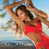 Up to 60% Off Tanning Packages at Hollywood Tans
