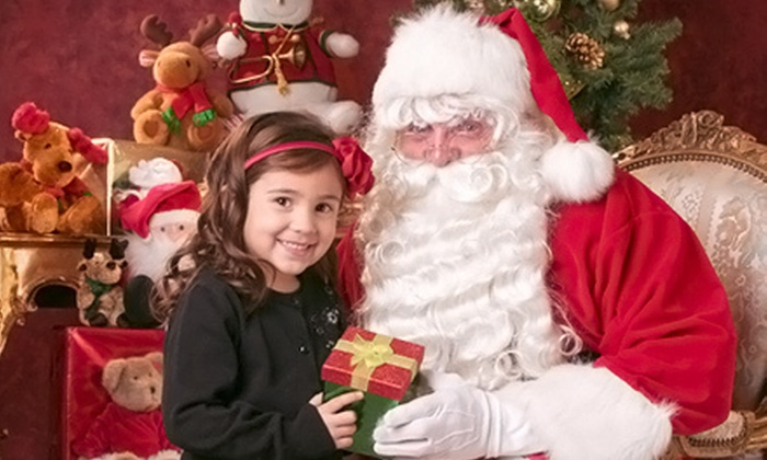 Yuen Lui Studios - Multiple Locations: $39 for a Santa Claus Photo-Shoot Package with Prints and a Digital Image at Yuen Lui Studio ($485 Value)