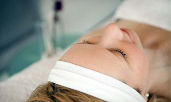 Feel Good Therapy - Pantego: Facial and Body Wrap for One or Two at Feel Good Therapy (Up to 62% Off)