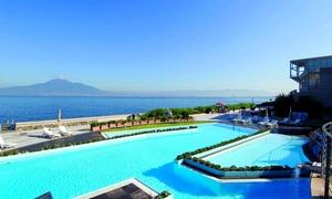 Spamarine: Percorso spa, accesso a spiaggia privata o ingresso in piscina per 2 persone, da Spamarine (sconto fino a 54%)
