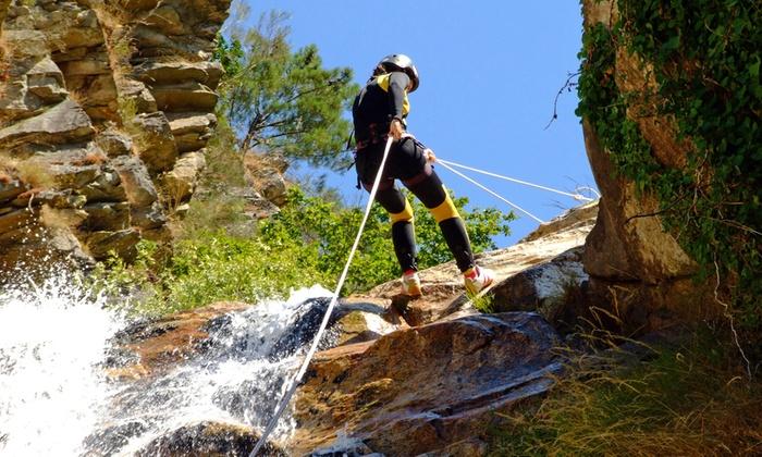 Recovery Energy - Roma: Giornata con trekking e discesa della cascata del Fosso della Mola da 49,90 €