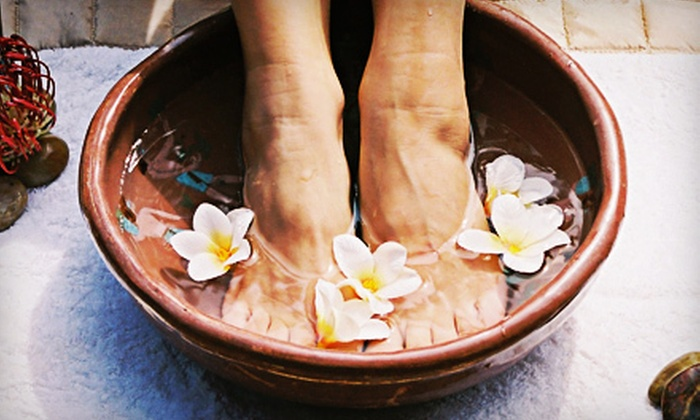 Optimal Health Chiropractic - Memphis: One or Three Massages or 10 Detox Footbaths at Optimal Health Chiropractic (Up to 76% Off)