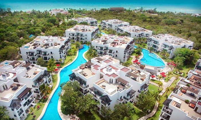 Four-Night Azul Fives Hotel Vacation with Airfare - Azul Fives Hotel: Four-Night Playa del Carmen Vacation with Round-Trip Airfare from Vacation Express