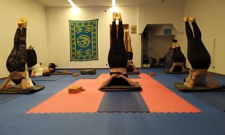 Bono de 1 o 3 meses de clases de yoga o Pilates para 1 persona desde 14,95 € en Vedanta Yoga
