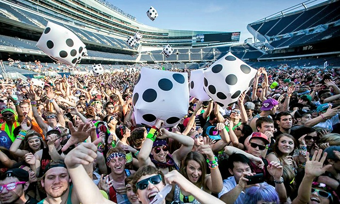 Spring Awakening Music Festival - Central Chicago: Spring Awakening Music Festival Featuring Tiësto, Diplo, Pretty Lights, Kaskade, Knife Party, Big Gigantic, and More