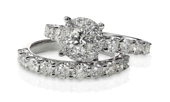 Uptown VS Jewelers - Farmington Hills: $30 for $75 Toward Jewelry and Accessories at Uptown VS Jewelers