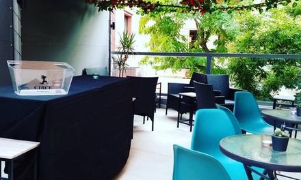 Cócteles con snack para 2, 4 o 6 en Sazerac Cocktail Bar & Terrace (hasta 68% de descuento)