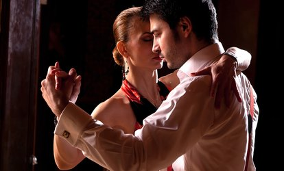Club Salsa: Three (from £6) or Ten (from £19) Classes (Up to 71% Off)